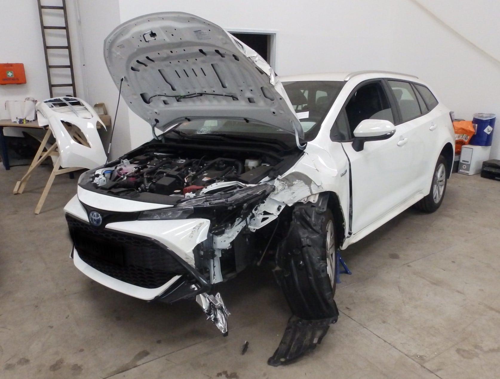 Toyota Corolla разбилась